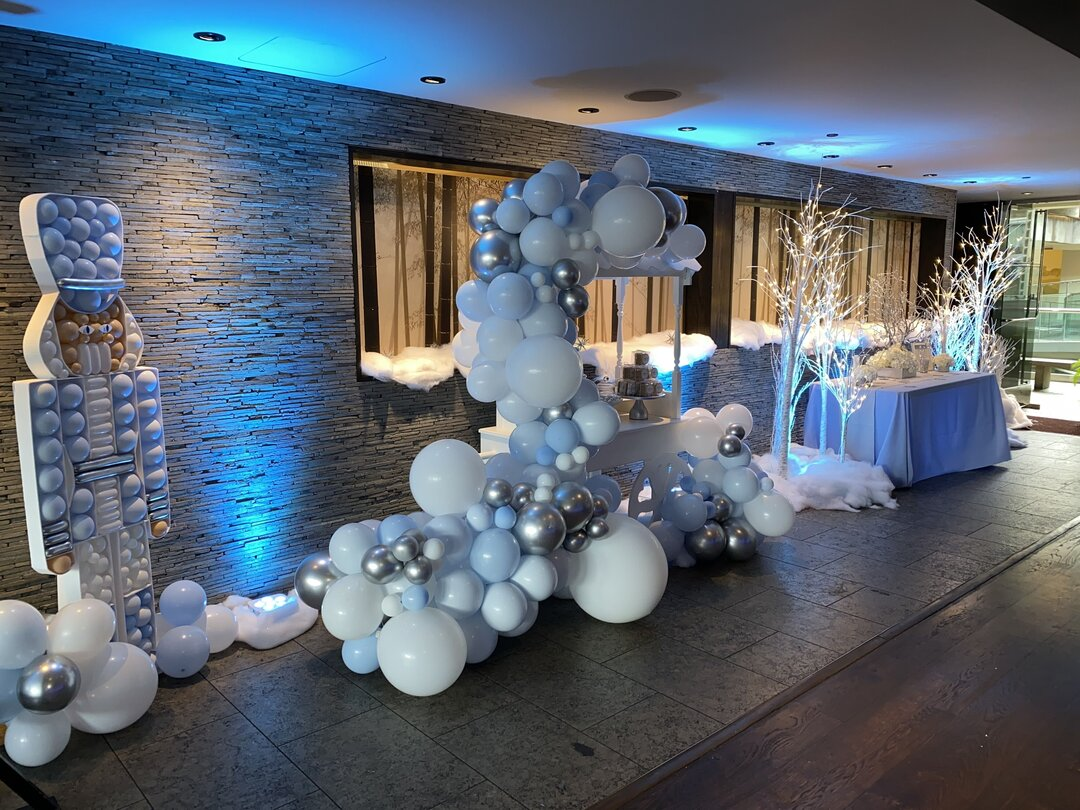 moon-and-blooms-baby-shower-winter-wonderland-candy-cart